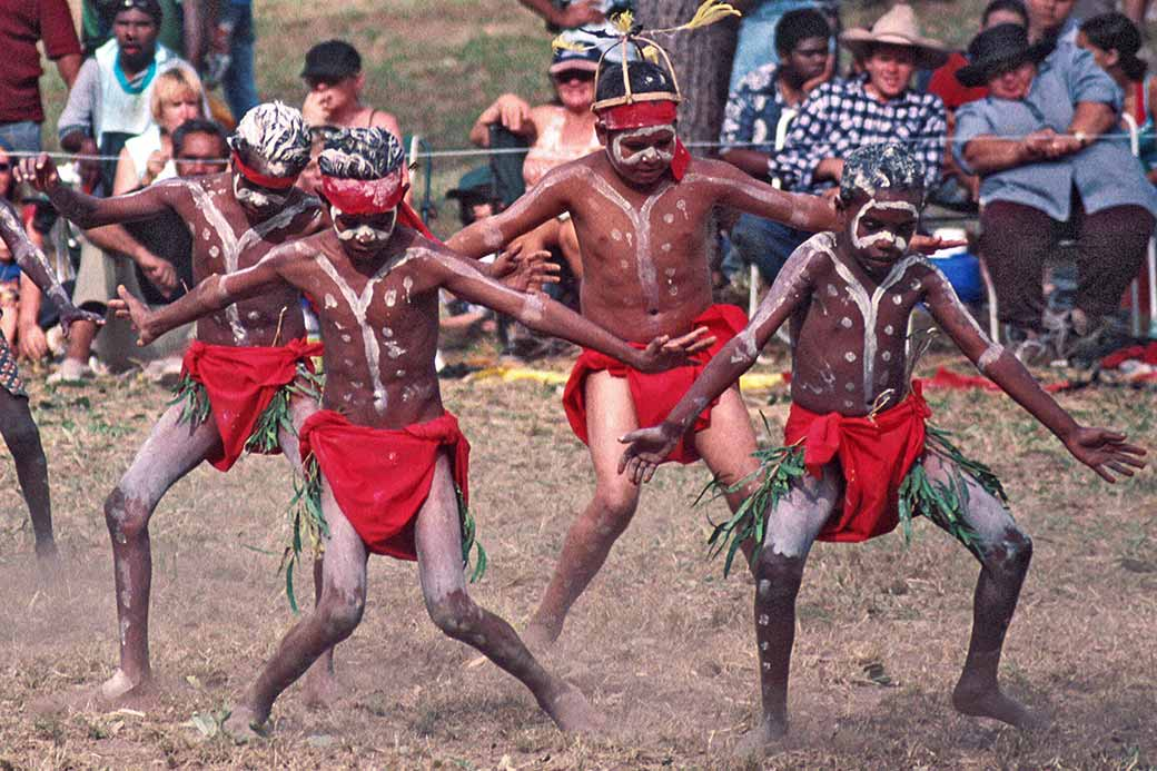 indigenous to down under the aboriginal Indigenous tours we make it easy for after enjoying aboriginal cuisine  down under tours is your source for touring all the cultural, scenic.